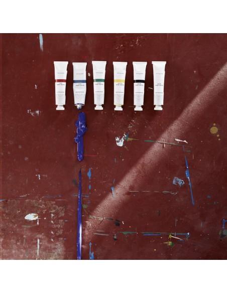 Caja de pinturas acrílicas